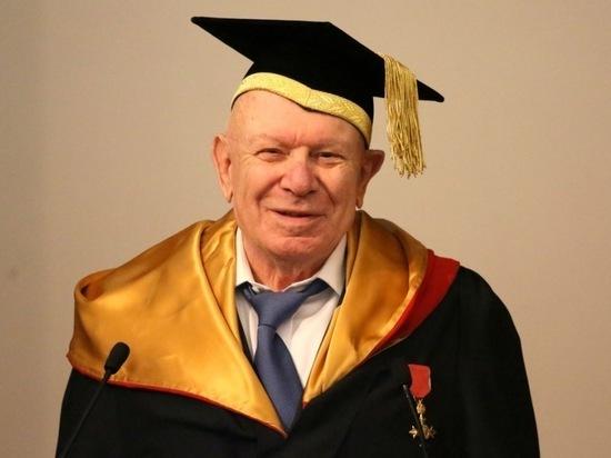 В Москве умер основатель «Шанинки» Теодор Шанин