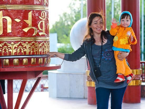 В калмыцкой столице реализуется программа для женщин с детьми