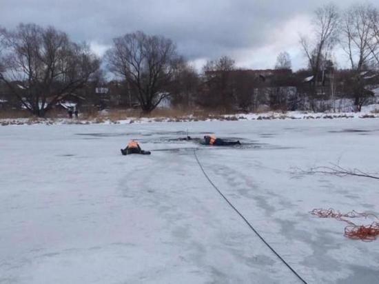 Спасибо прохожим: на Уводи спасли двух человек, провалившихся под лед