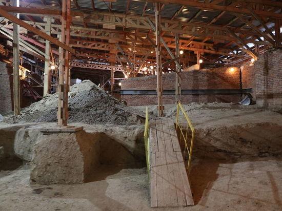 В Петропавловской крепости разрушаются стены Меншикова бастиона