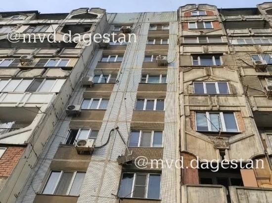 Дагестанский школьник упал с крыши многоэтажки