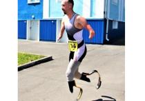 Раскрылась подоплека работы курьером паралимпийца Асташова без конечностей