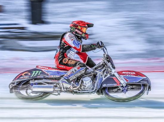 В Алматы прошли гонки финала личного чемпионата мира по мотогонкам на льду