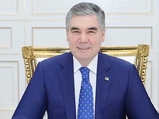 СМИ: власти Туркмении обязали чиновников красить волосы в седину