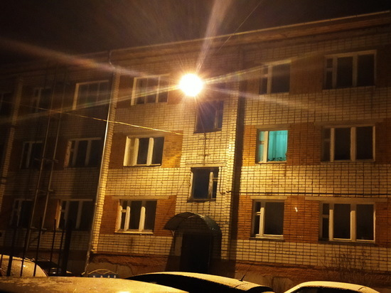 В Ядрине неизвестные подожгли дверь квартиры в трехэтажном доме