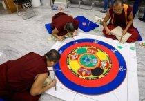 В Волгограде буддийские монахи возвели и разрушили священную мандалу
