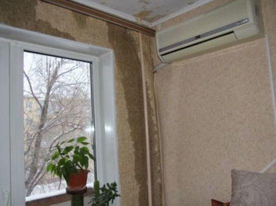 Жители Оренбурга продолжают жаловаться на протекающие крыши