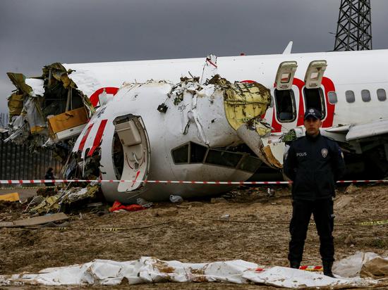 Эксперт оценил развалившийся в Стамбуле самолет: «Наши прочнее»