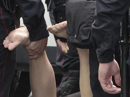 Путин подписал закон о лицах, которым может звонить задержанный