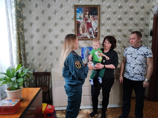 В Иванове многодетным семьям дарят пожарные извещатели