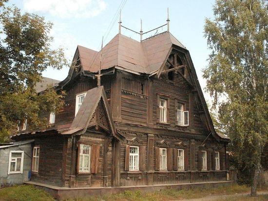 В Барнауле рушится дом бывшего городского головы Лесневского