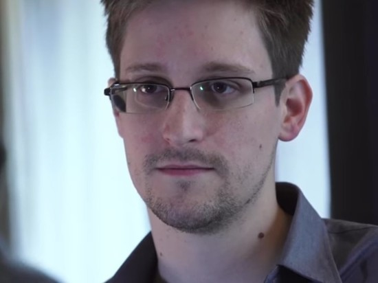 Сноуден решил продлить вид на жительство в РФ