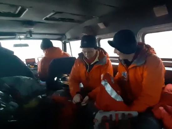 На Камчатке спасли снегоходчика, который получил травмы таза