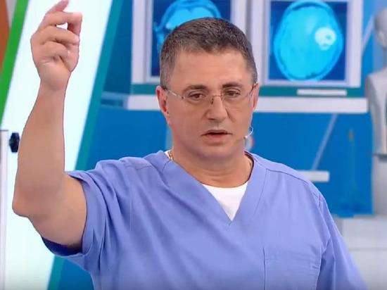 Доктор Мясников заявил о бесполезности вакцины от коронавируса для России