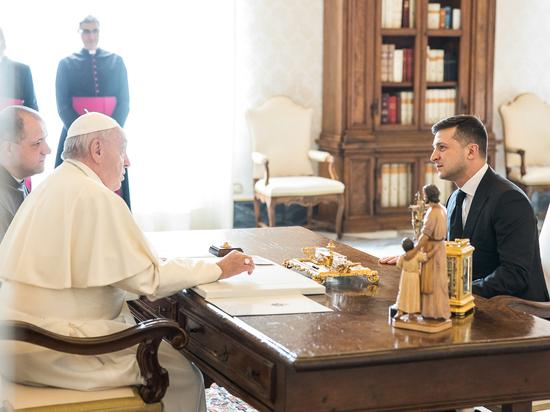 Зеленский рассмешил Папу Римского на встрече в Ватикане