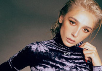 Настя Ивлеева в эротичном боди очаровала россиян