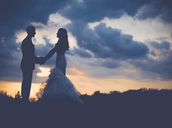 Петербуржцы женятся чаще всех в России