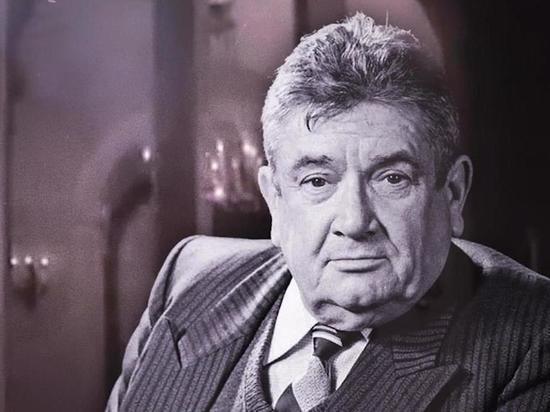 Он мог стать одним из представителей советской «золотой молодежи», но вместо этого чуть не попал в дурную компанию.