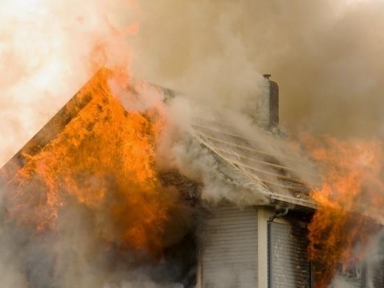 Выходной день для ивановских пожарных выдался «горячим» - мы уже писали о трех ночных пожарах, но и днем спасатели не раз выезжали на ликвидацию огня