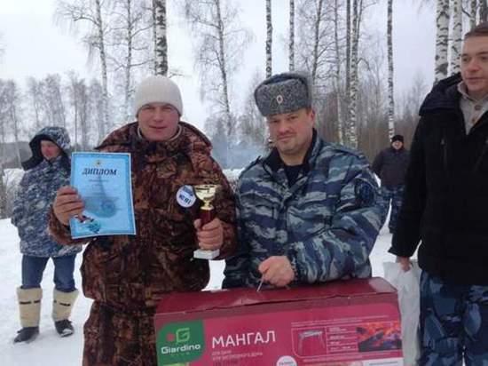 Сотрудники исправительных колоний Ивановской области соревновались, кто выловит самую большую рыбу