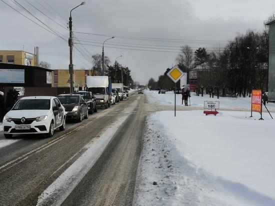 Трассу в Дзержинске расширят с двух до четырех полос