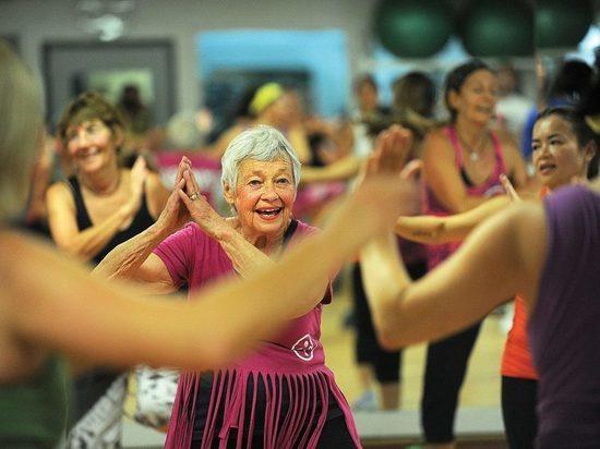 Кубинец-виртуоз научит серпуховских пенсионеров латинским танцам