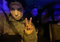 В Петербурге задержали и отпустили участницу Pussy Riot Толоконникову