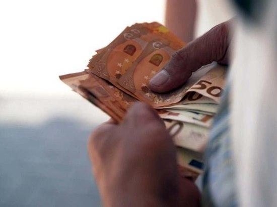В Германии в ходе наркологического рейда найдено 120 000 евро и наркотики