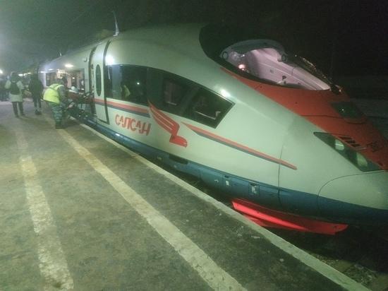 Пассажирам сломавшегося «Сапсана» вернут деньги за билеты
