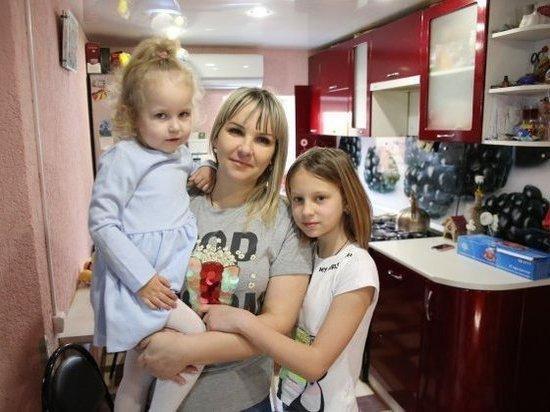 Многодетные семьи получают увеличенный родительский капитал