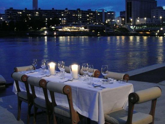 Испанские ученые рассказали о связи между поздним ужином и раком простаты