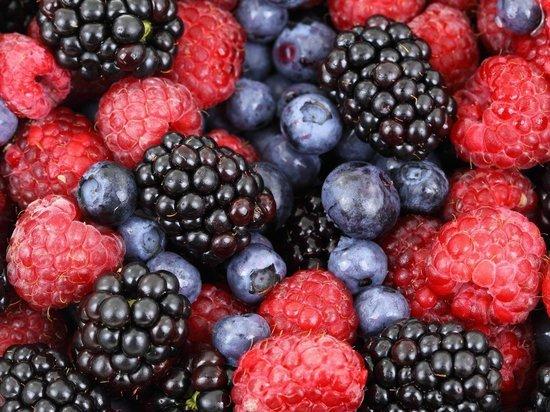 Эти 4 ягоды выведут излишки холестерина из крови