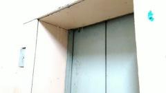 «Горячий душ» в шахте лифта в жилом доме в центре Читы