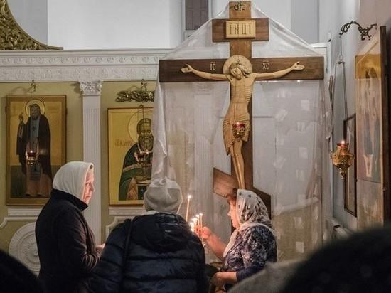 Веру в Бога предложили закрепить в Конституции России