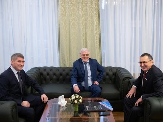 Николаев встретился в Москве с Федоровым и Аксаковым