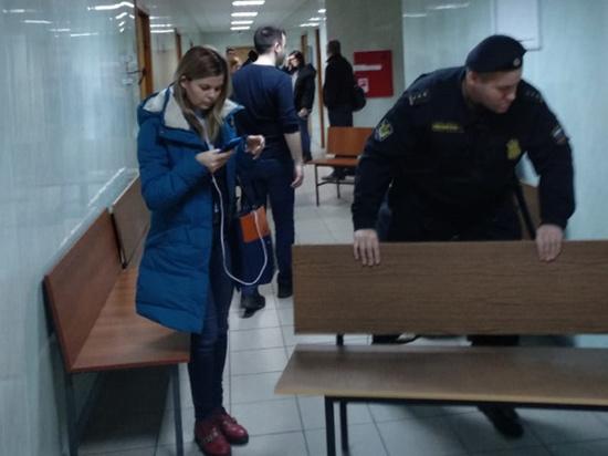 Гибель экс-чиновника ФСИН в суде описал очевидец