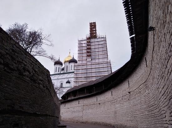 Прогулки в кремле - чего не хватает сердцу Пскова перед турсезоном