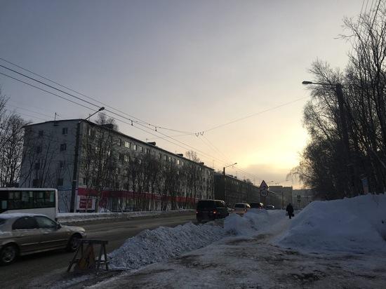 На улице Александра Торцева запретят парковку во время уборки снега
