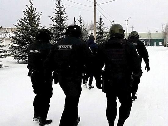 В Костроме ОМОН и ФСБ ловили незаконных мигрантов