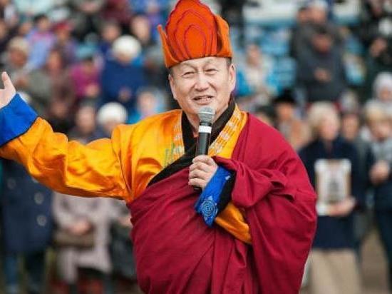 Хамбо Лама подарил отару овец стрелкам Бурятии