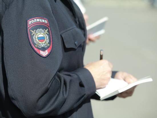 Полицейские в Нижнем задержали прохожего с наркотиками