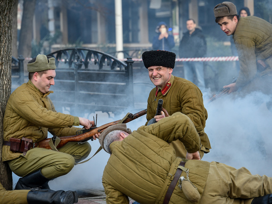 Реконструкцию освобождения Краснодара от фашистов показали в центре города