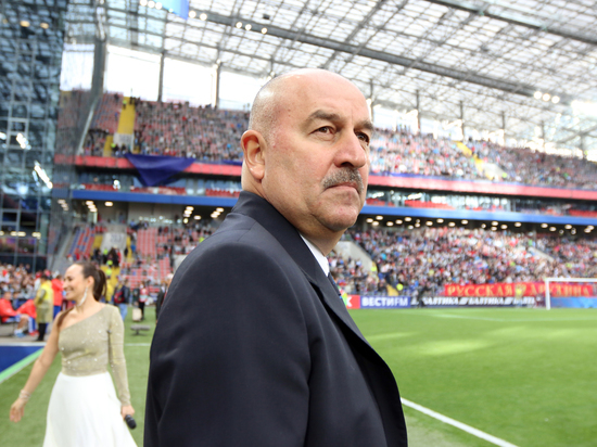 Черчесов может остаться главным тренером сборной России до 2022 года