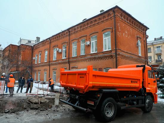 На улице Пушкина в Волгограде завершается ремонт теплотрассы