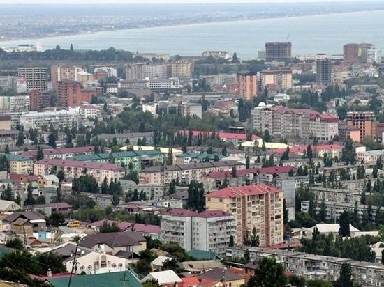 Двух чиновников администрации города Дагестанские Огни обвиняют в превышении полномочий