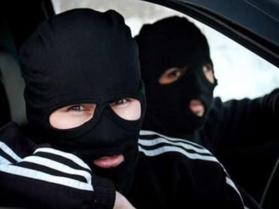 В Бурятии подростки в масках чуть не ограбили квартиру