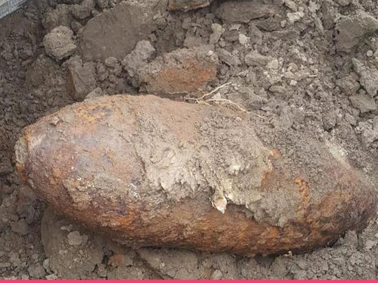 Рабочие нашли минометную мину на юге Петербурга