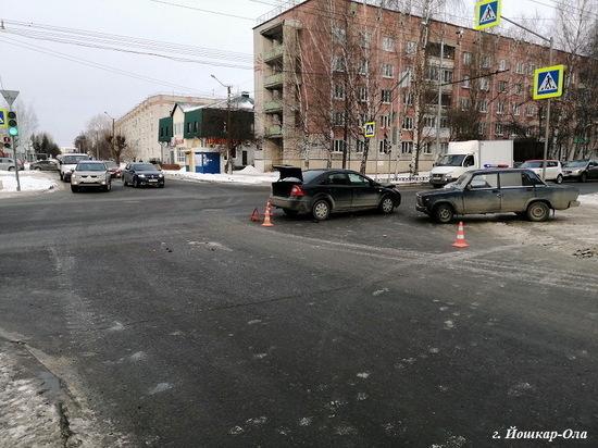 13 февраля на дорогах Марий Эл пострадали шофер, пассажир и пешеход