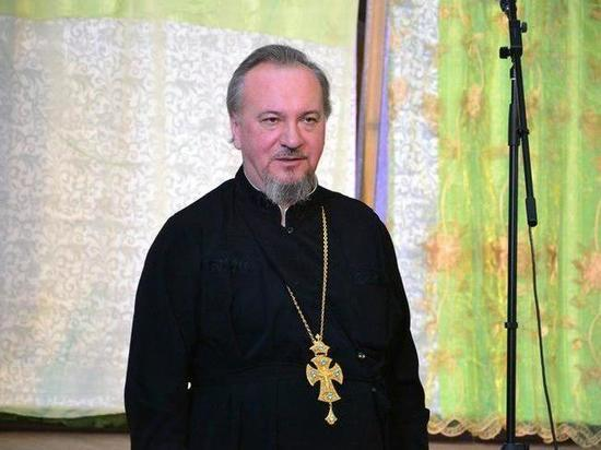 Настоятеля железногорского собора отстранили от церкви. Он попался пьяным за рулем и ездил без прав