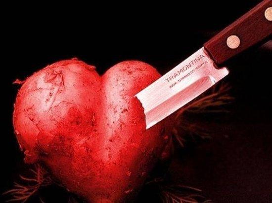 Любовь и нож: житель Вельска порезал бывшую возлюбленную
